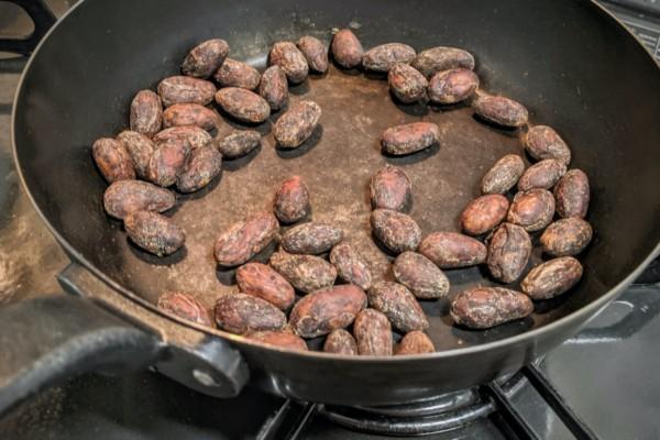 お家でカカオ豆を焼いてみた