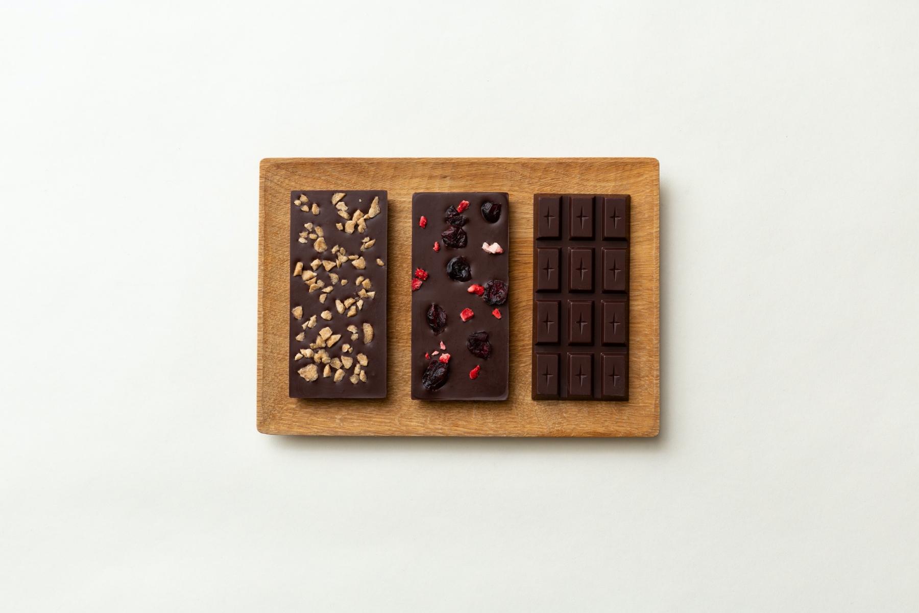 森岡書店 × SIXIÈME GINZA【保護犬保護猫支援】チョコレートが期間限定で登場