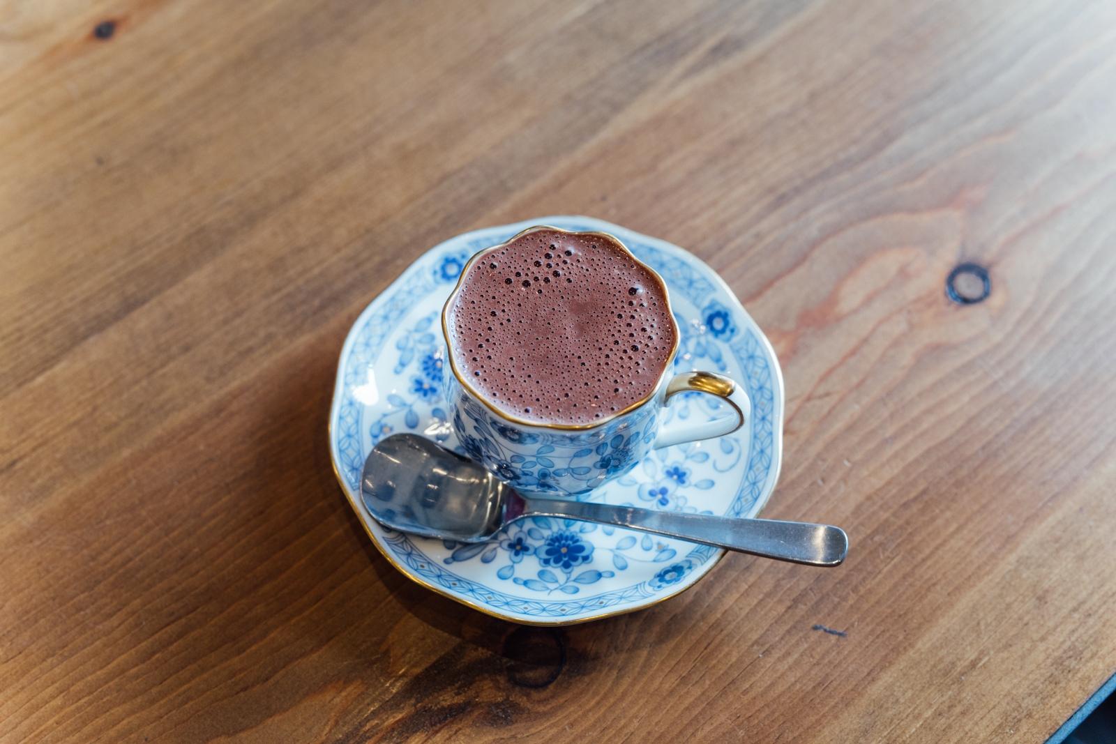 チョコレートは人を幸せにする― 「TribalCacao」若き店主の飽くなき探究心