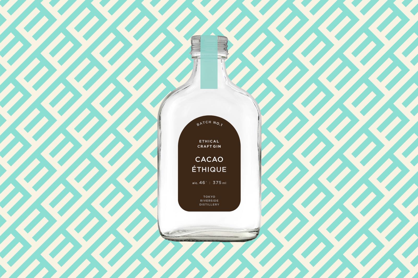 エシカル・スピリッツから、フーズカカオのカカオを採用したエシカル・ジン「CACAO ÉTHIQUE」の予約販売を開始