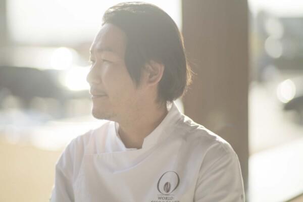 世界No.1ショコラティエが、福知山で「洋菓子マウンテン」を続ける理由。 〜写真家・新津保建秀が引き出す水野直己シェフの魅力〜