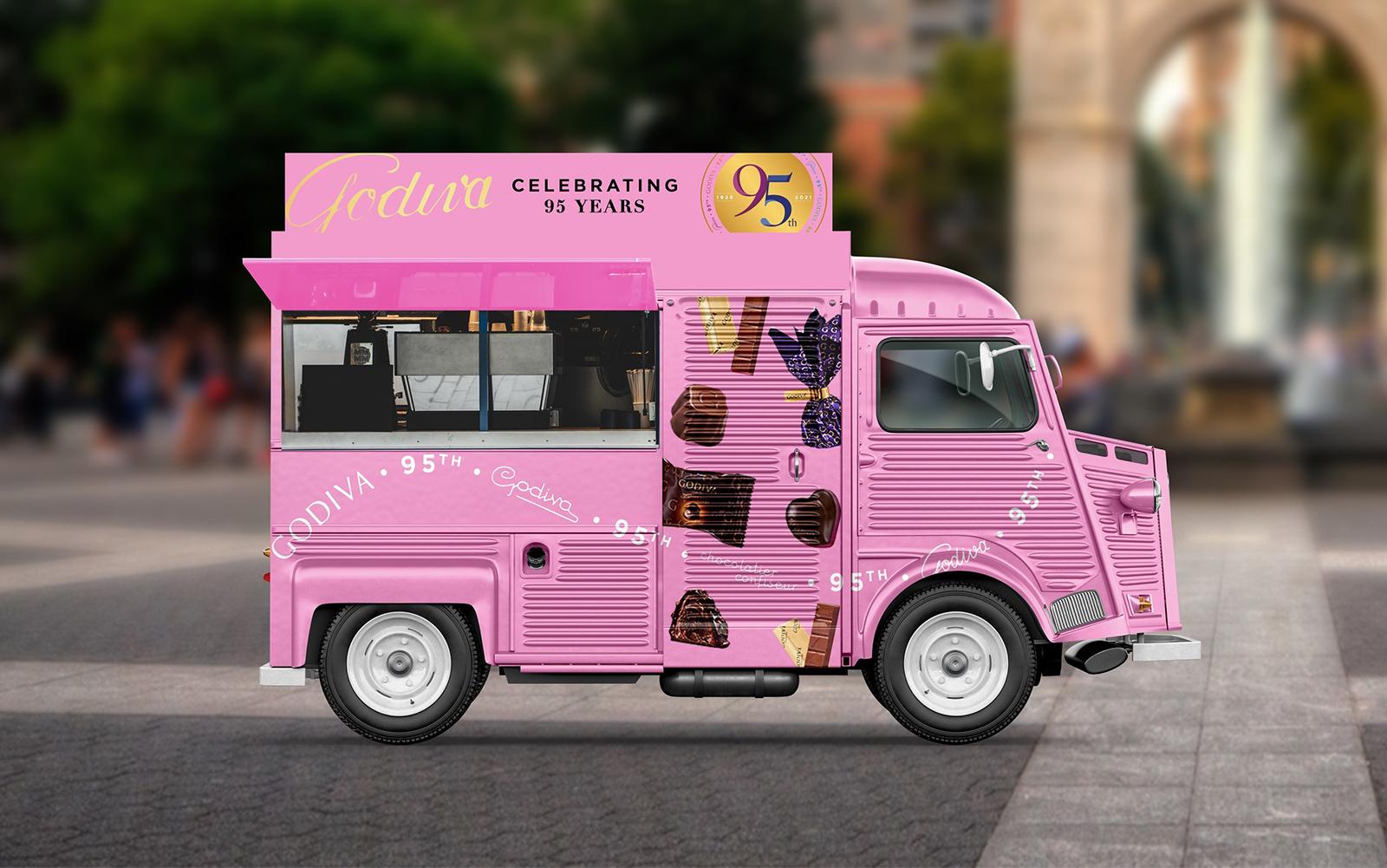 【海外】ゴディバのピンクトラック、NYの街に幸せを届ける。6月末までチョコレート無償提供