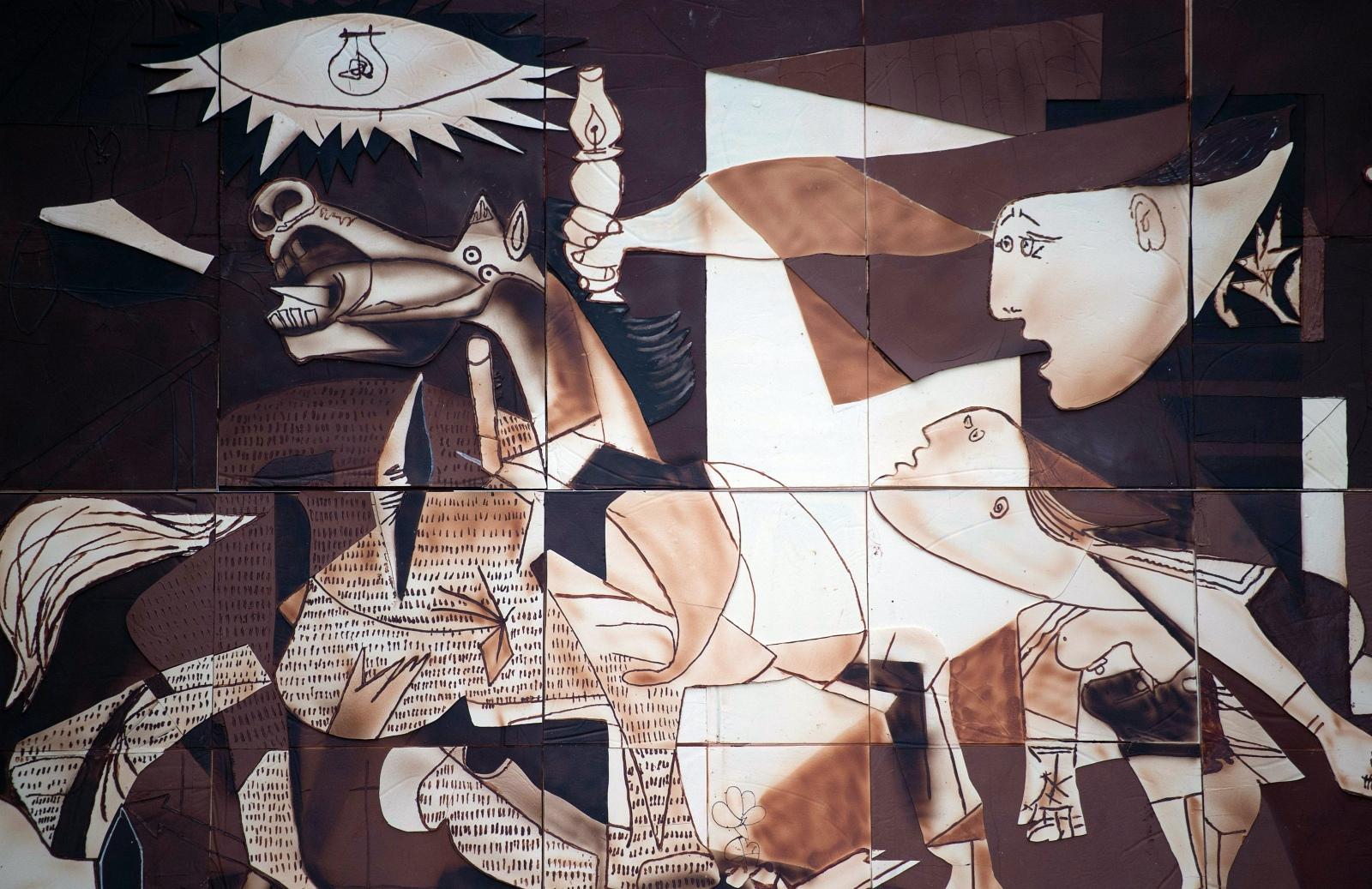 【海外】ピカソの絵画「ゲルニカ」を500kgのチョコレートで再現