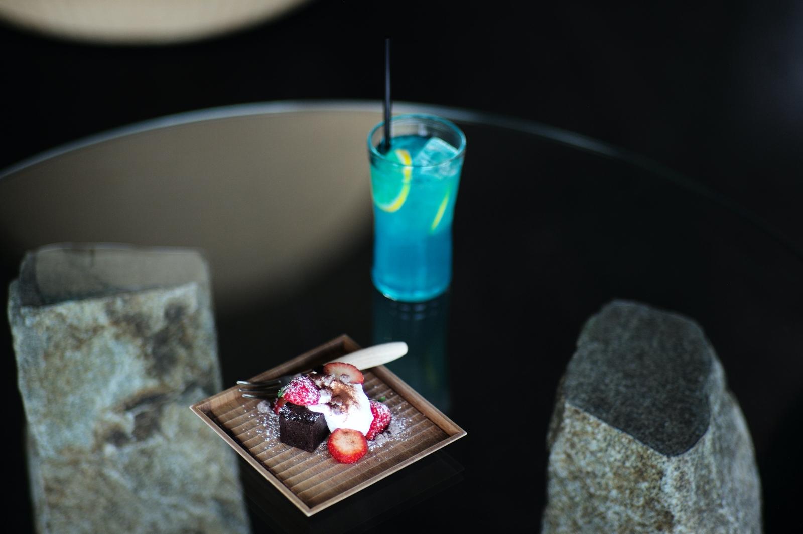 Travelogue<br>チョコレートを巡る旅<瀬戸内編その②> 島と海と猫、時々チョコレート。