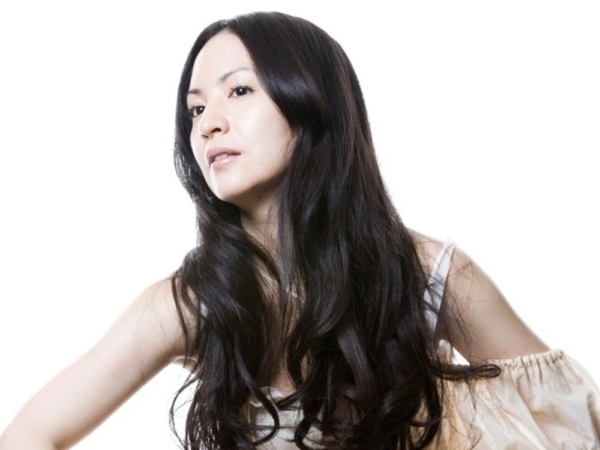 リレー連載「あの人に届けたい、私のとっておきのおもたせ」 Vol.1ミュージシャン・カヒミ カリィさんから、女優・中嶋朋子さんへ