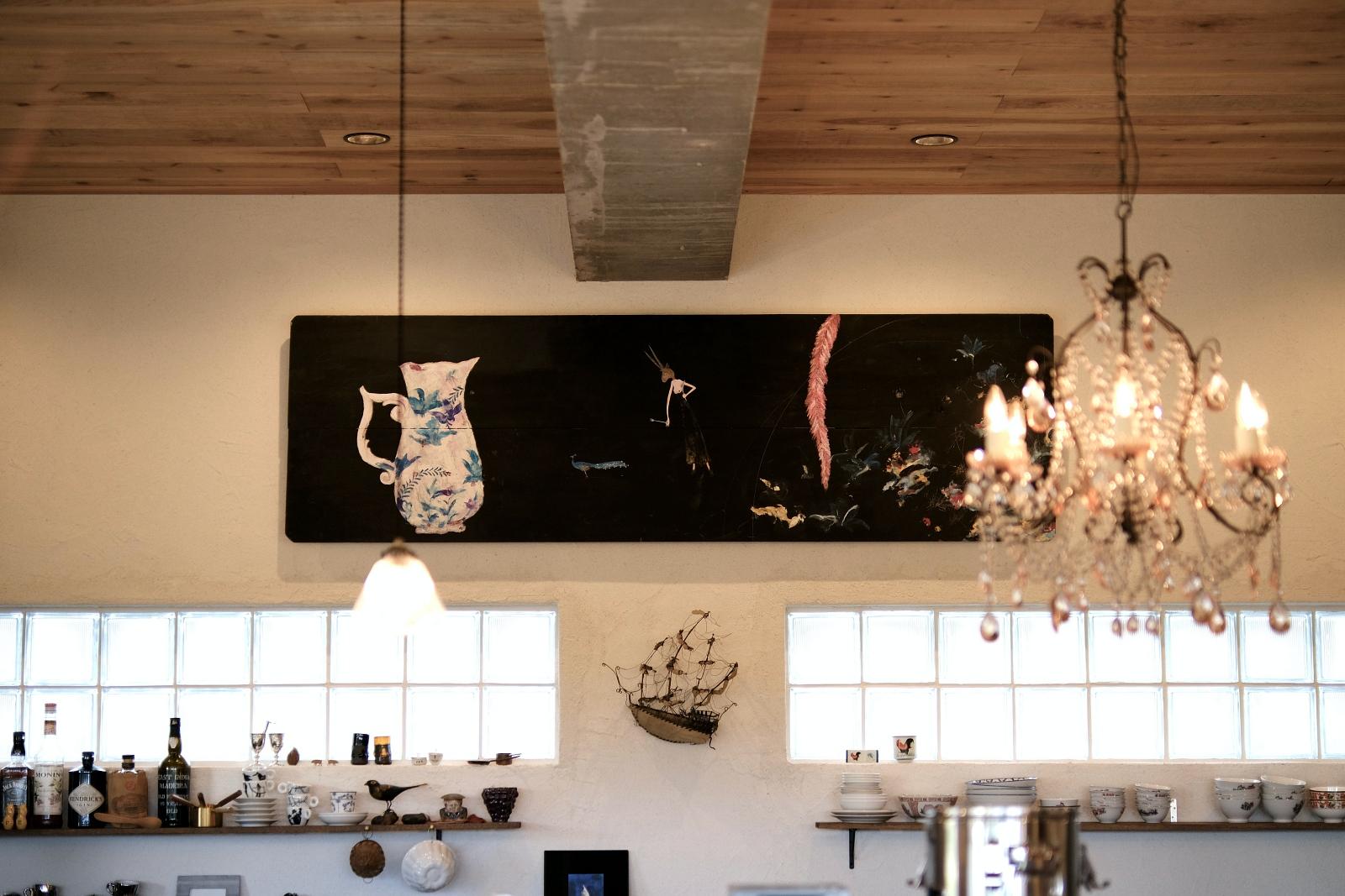 公民館を自分たちの手でリノベ! 画家、陶芸家、木工作家…沖縄を代表するアーティスト達がつくる「玉城食堂」の包容力