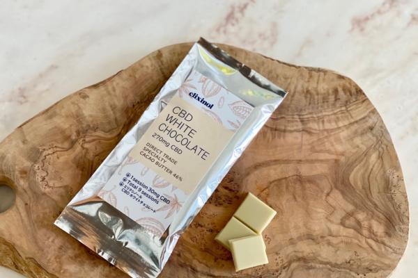 CBDオイルブランド「エリクシノール」と「フーズカカオ」が共同開発したCBDホワイトチョコレート