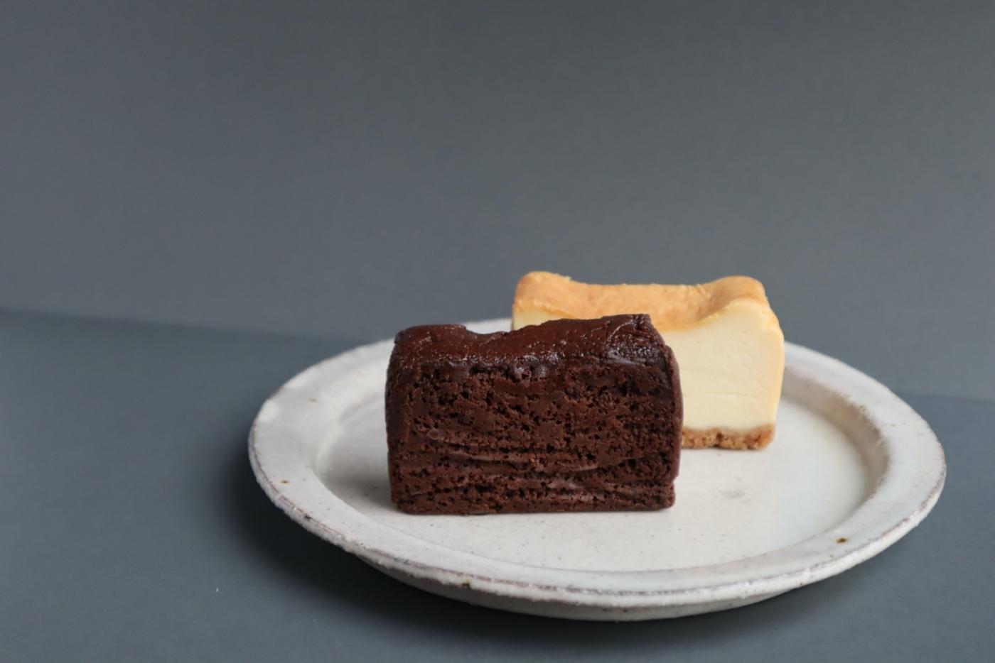 """スピカクラシックケーキとグムグム """"ドライフラワーの演出が美しすぎる、無添加ケーキとドーナッツ"""""""
